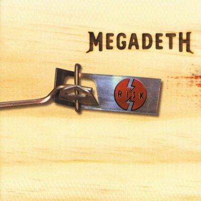 Capa do álbum Risk (1999) do Megadeth: o título já previa que o trabalho dividiria opiniões