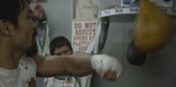 Imagem do clipe King Rides By, de Cat Power, com o boxeador Manny Pacquiao