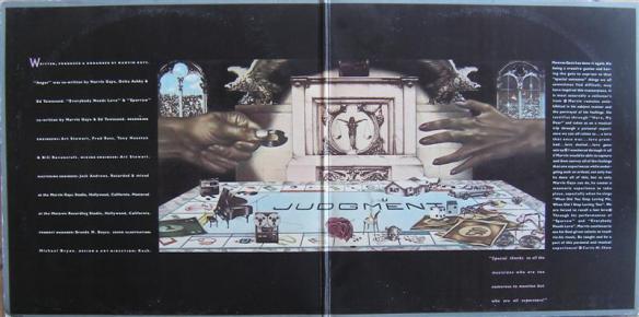 """Encarte de Here, My Dear (1978): Toma que o disco é seu, """"querida""""."""