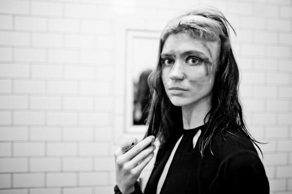 Grimes: indie eletrônico com a cara da música de hoje