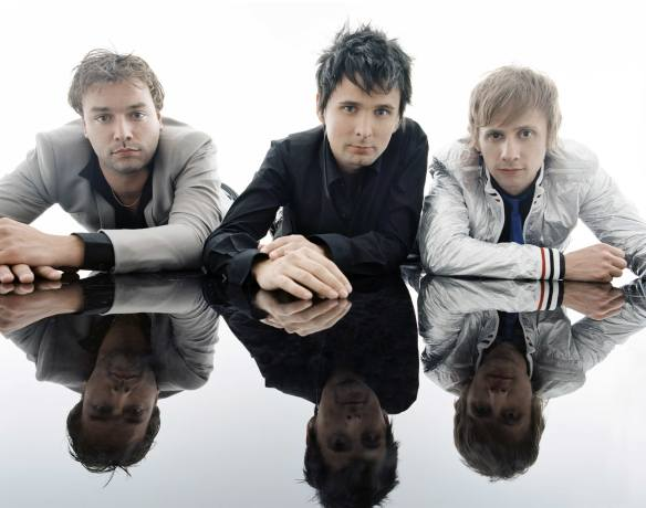 "Muse: ""Madness"", do novo disco do trio é a cara de ""Faith"", hit oitentista de George Michael"