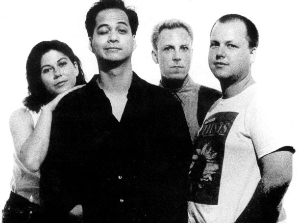 """Pixies: os mentores acidentais do assalto protagonizado pelo """"rock alternativo"""" ao imaginário coletivo da música pop nos anos 1990"""