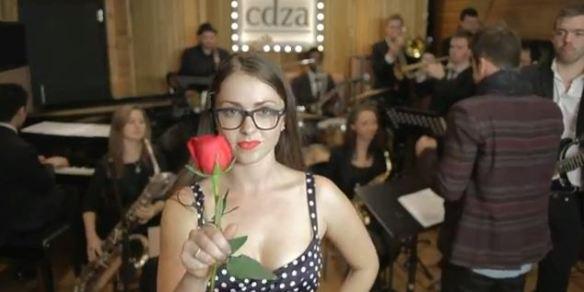 """cdza (Collective Cadenza), """"History of Wooing Men"""" - A evolução do xaveco feminino na música pop"""