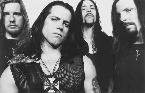 Danzig (com Glenn Danzig em primeiro plano): o primeiro frontman do Misfits preferiu seguir carreira solo