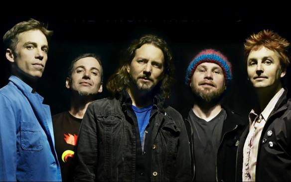 """Pearl Jam: versões """"beneficentes"""" para canções de 1962 acabaram se tornando grandes hits da carreira da banda"""