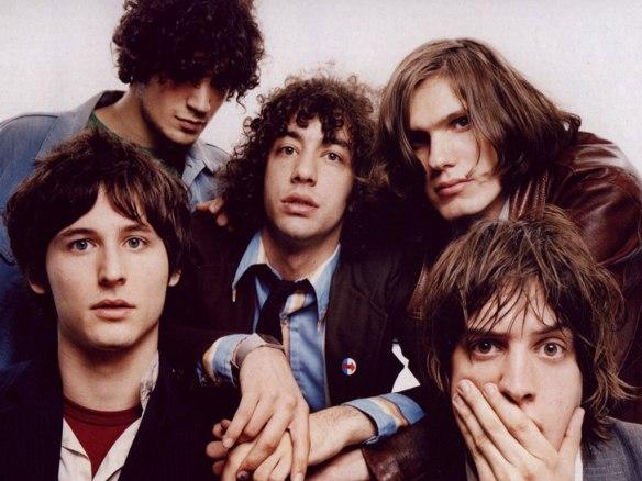 The Strokes: apesar do estranhamento, nada mais natural do que ver a banda escalando a pedregosa parede da evolução musical