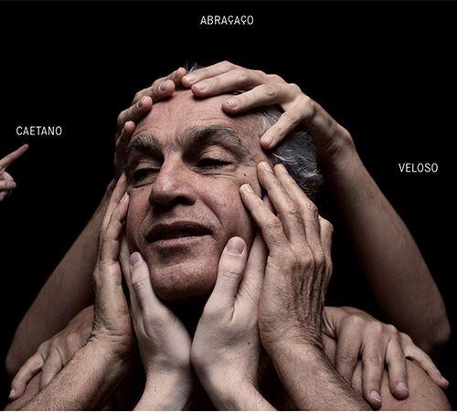 """Capa de """"Abraçaço"""" (2012), de Caetano Veloso"""