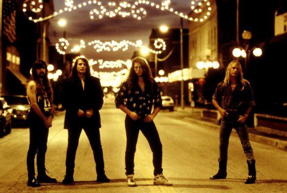 Savatage em 1991: a banda, que eu ainda não conhecia, tinha tudo pra me desagradar (achava eu), mas me fez dar o braço a torcer