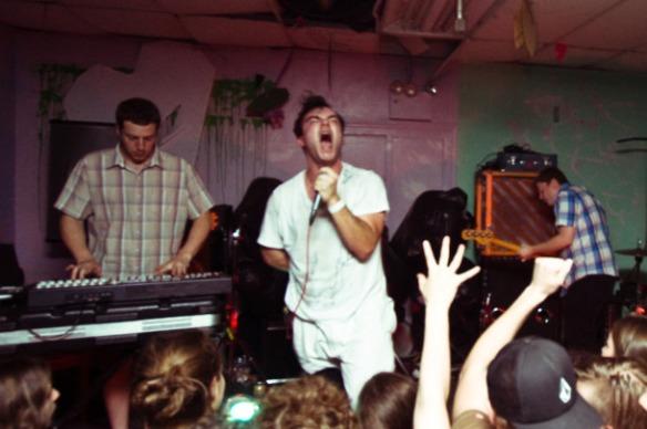 Future Islands: descobri por acaso o electro-pop com um tempero retrô da banda que tem no crooner Samuel T. Herring um de seus grandes destaques em meio a composições ligeiramente dançantes, definitivamente inteligentes e carregadas de sintetizadores.